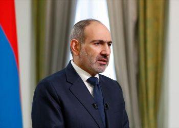 Dimite el primer ministro armenio y convoca elecciones anticipadas