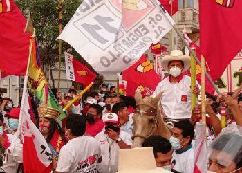 Pedro Castillo advierte sobre una posible campaña de terror con bombas en Lima