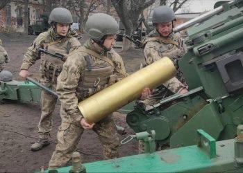 """Tropas ucranianas """"en condiciones de combate"""" cerca de Crimea"""