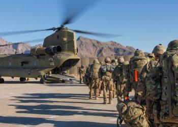 Estados Unidos y la OTAN comienzan la retirada de sus tropas de varias bases en Afganistán