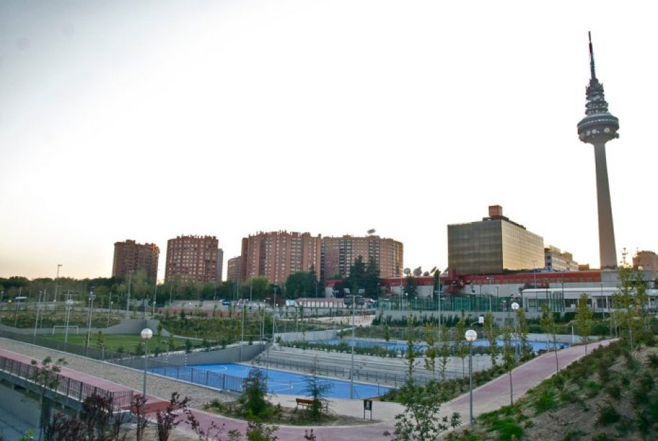 Contra la privatización del Centro Deportivo Municipal Torrespaña