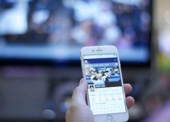El público que confía en la televisión y Facebook está peor informado sobre la pandemia