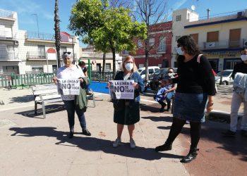 Concentración ciudadana en San Jerónimo (Sevilla), contra la supresión de paradas de la Línea 3 en este barrio