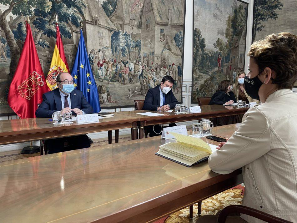 Iceta se compromete a consensuar antes del verano con CCAA, EELL y sindicatos las medidas para reducir la temporalidad en las administraciones públicas
