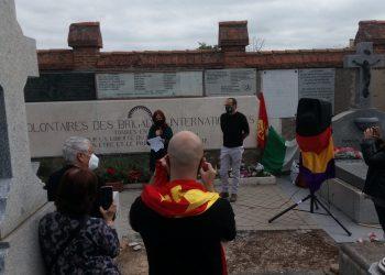 Homenajean a las Brigadas Internacionales en el Cementerio de Fuencarral