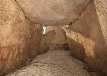 Los megalitos europeos fueron decorados con pinturas funerarias durante el Neolítico
