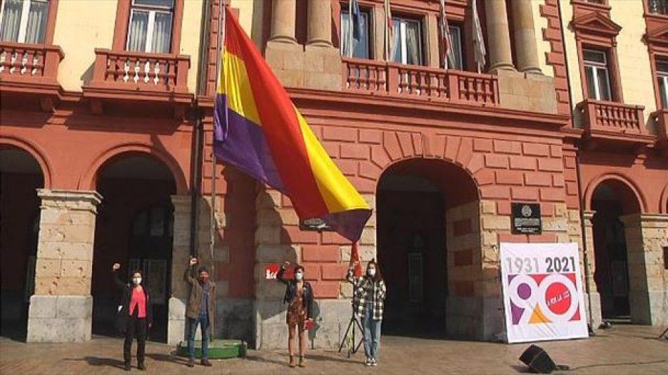 El PCE-EPK reprocha la actitud del PNV y EH Bildu impidiendo un reconocimiento del Parlamento Vasco a la II República en su 90 aniversario
