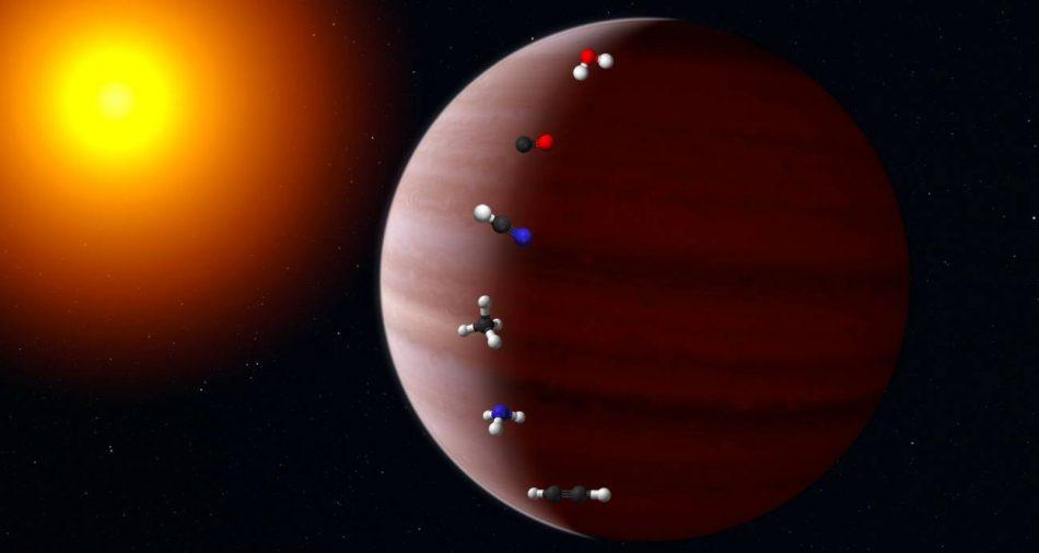 La migración de un exoplaneta deja una huella química en su atmósfera