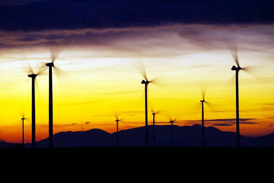 El Goberno de Feijóo recoge los frutos de su propia insensatez política: El PP de Curtis rechaza de pleno la instalación del parque eólico Pena Ombra, de Greenalia