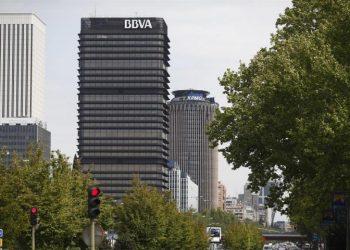 BBVA inicia el proceso para despedir a miles de trabajadores de servicios centrales y oficinas