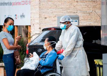 Brasil vuelve a rozar las 3000 muertes en un día por COVID-19