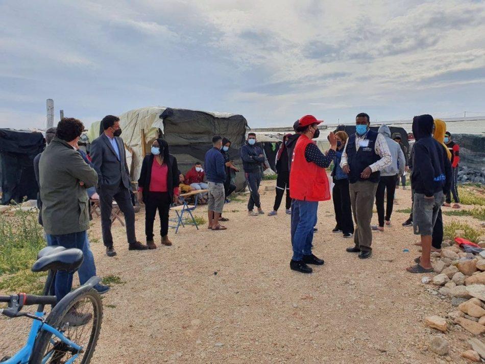 La Directora General de Igualdad de Trato y Diversidad Étnico Racial visita los asentamientos de la provincia de Almería