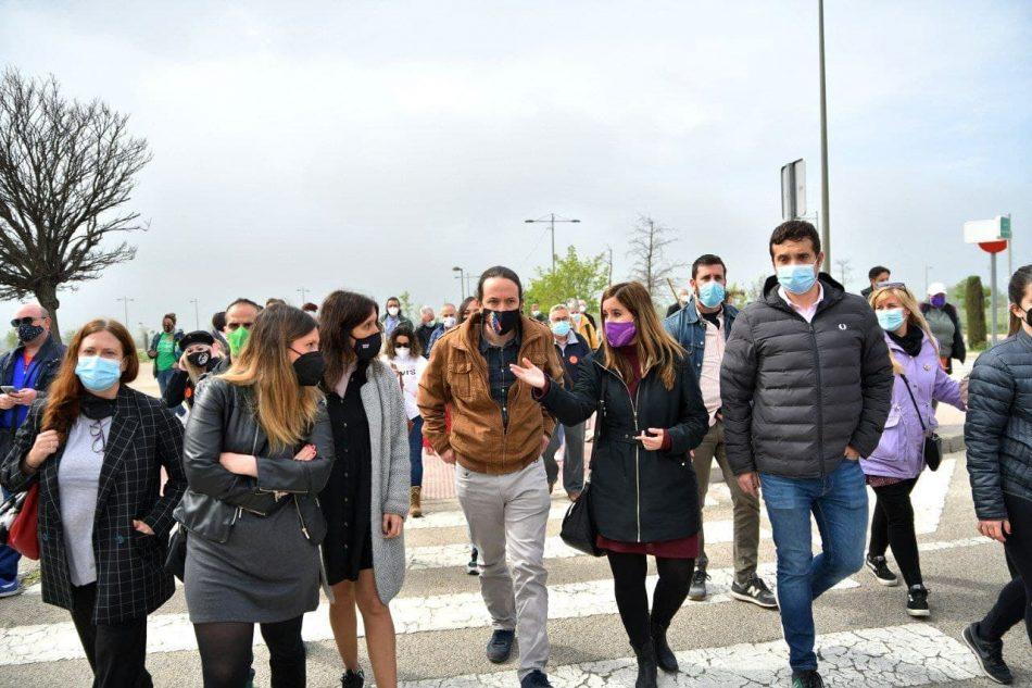 Pablo Iglesias se reúne en Parla con asociaciones en defensa de la sanidad y la educación públicas