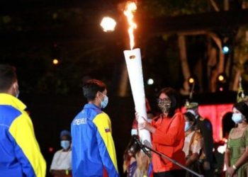 Encienden en Venezuela Antorcha Libertaria y Bolivariana