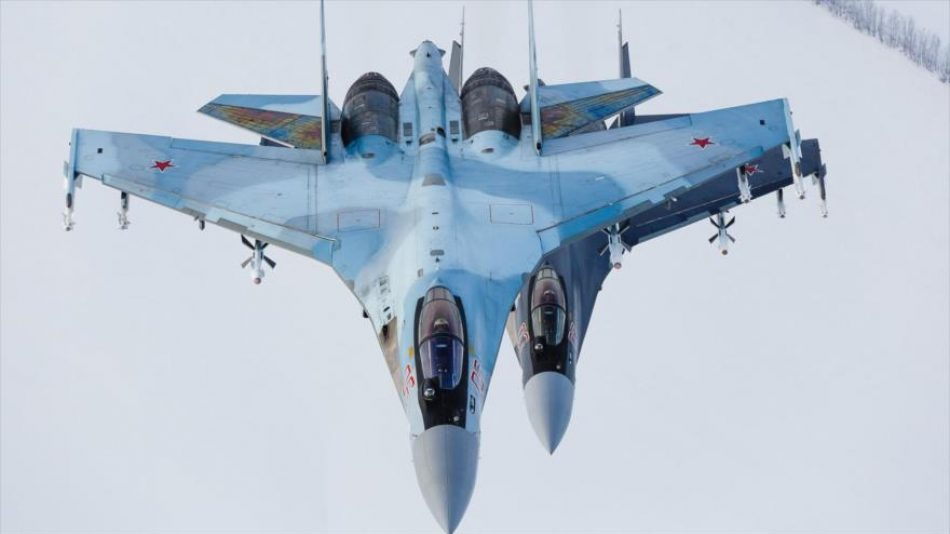 Rusia equipa zona sur cerca de Crimea con avanzados cazas Su-35S