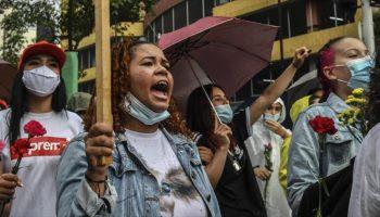 Menor de edad se suicida en Colombia tras abuso sexual de policías