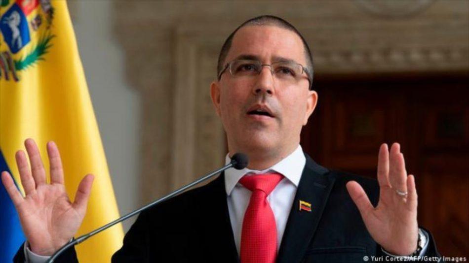 Venezuela reprocha a UE por no sancionar a Israel y Colombia
