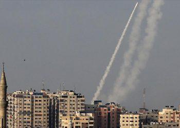 HAMAS: Más de 100 cohetes lanzados hacia territorios ocupados