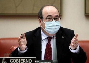 Escrito de denuncia de la Confederación Intersindical al Ministro Iceta por abuso de Temporalidad