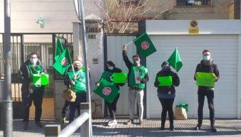 PAH y la Asociación Andaluza de Barrios Ignorados detienen en Jaén el desahucio de una pareja y sus cuatro hijos