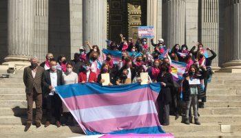 Los colectivos piden al PSOE que apoye el trámite de la Ley Trans
