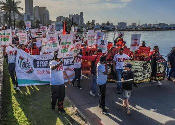 Sindicatos sudafricanos impiden la descarga de mercancía israelí en el puerto de Durbán