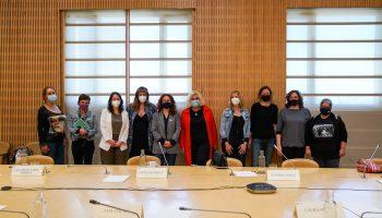 Colectivos de trabajadoras sexuales se reúnen con la alcaldesa de Barcelona, Ada Colau, ante el peligro de encarcelamiento que les puede suponer el Anteproyecto de Ley sobre Libertad Sexual