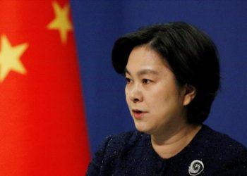 China arremete contra Estados Unidos por acaparar las vacunas: 'Con un 4 % de población, acumula un cuarto del total de vacunas'