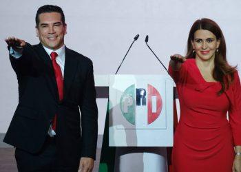 """La COPPPAL, el PRI, la CIA: El """"fake news"""" a la mexicana"""