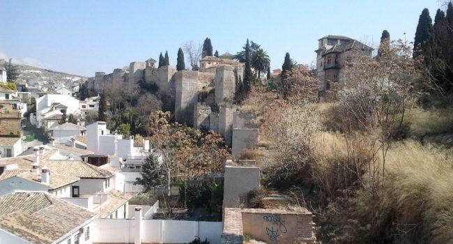 Las obras de rehabilitación de la muralla del Albaicín en Granada, con cargo al Instituto de Patrimonio Cultural, superan los 3,5 millones de euros