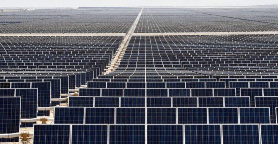 La devastadora invasión de los grandes 'parques' solares fotovoltaicos