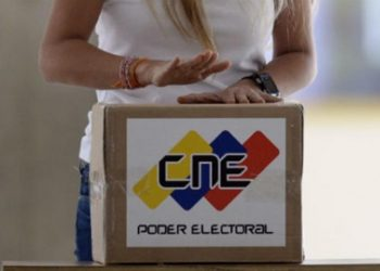 Venezolanos manifiestan intención de votar en megaelecciones