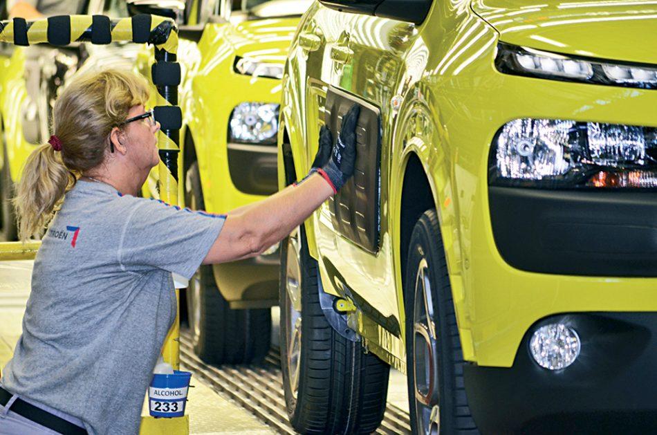 El Supremo confirma las multas de la CNMC por 48 millones a las marcas francesas Renault, Citroën y Peugeot