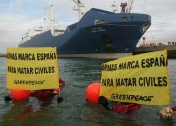 Los activistas que protestaron pacíficamente contra la exportación ilegal de armas en 2018 en Bilbao, condenados a un año de prisión