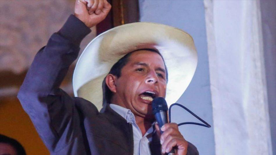 """Castillo llama a crear un Perú """"libre de desigualdad e injusticias"""""""