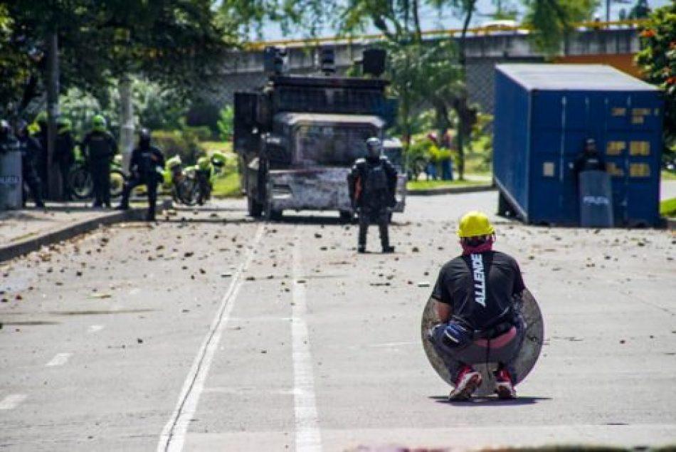 Durísima represión policial en Cali (Colombia) deja al menos un muerto y 20 heridos