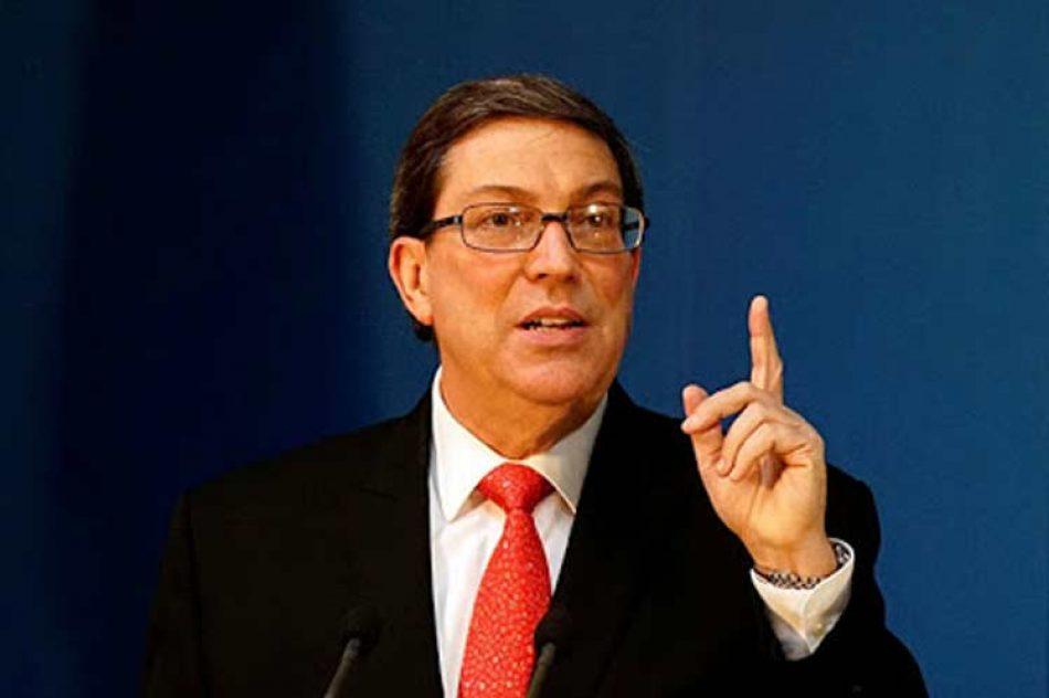 Denuncia Cuba obstáculos del bloqueo para producción de vacunas