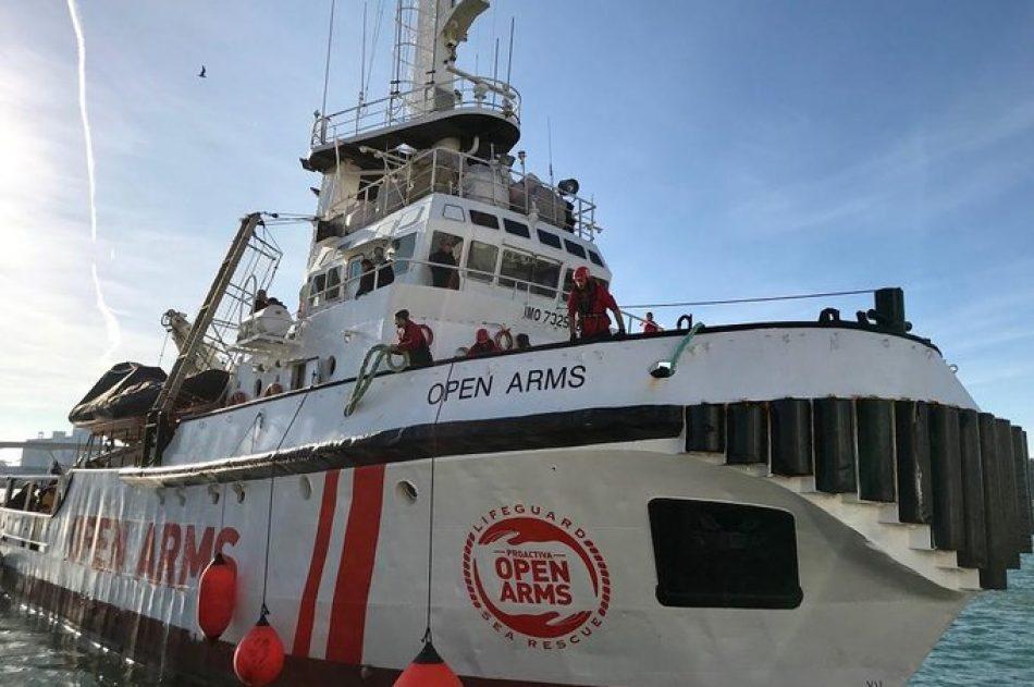 """Sira Rego reclama a la Unión Europea y a las autoridades italianas desde la cubierta del 'Open Arms' que """"acaben de una vez de criminalizar a las ONG que salvan vidas en el mar"""""""