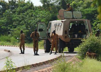 Milicias islamistas asesinan a 138 personas en Burkina Faso