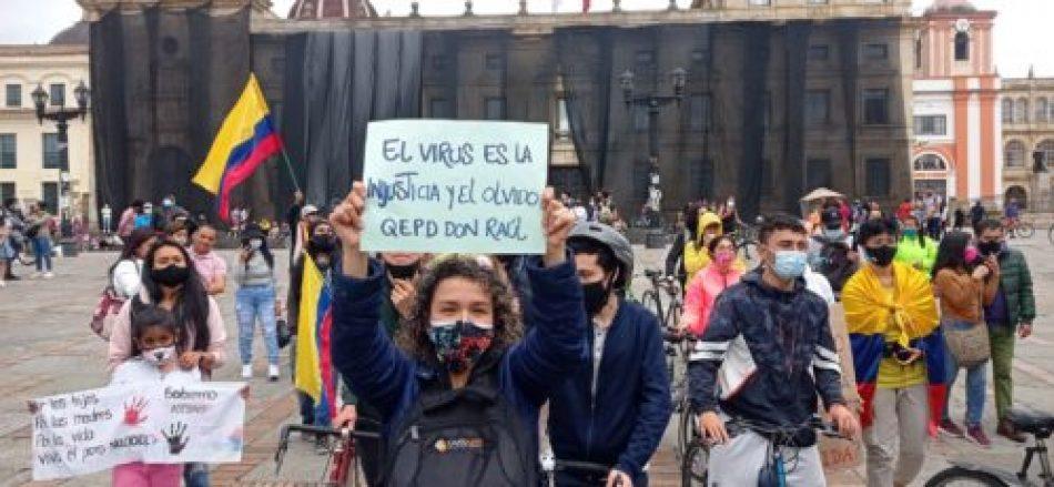 El paro sigue en Colombia: bloqueos de rutas y calles, multitudes en Medellín