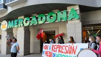 A CIG mobilízase en Mercadona contra a política de medo e represión