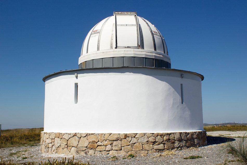 Dos parques eólicos de Greenalia ponen en jaque la supervivencia de uno de los principales observatorios astronómicos de Galicia