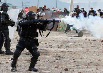 Al menos dos muertos y 40 heridos deja represión del Esmad en Bogotá