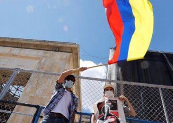 Grupos paramilitares retienen a ciudadanos en Norte de Santander, Colombia