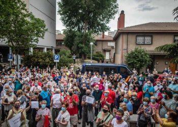 Continúan las concentraciones vecinales contra la propuesta de cierre estival de centros de salud en Madrid