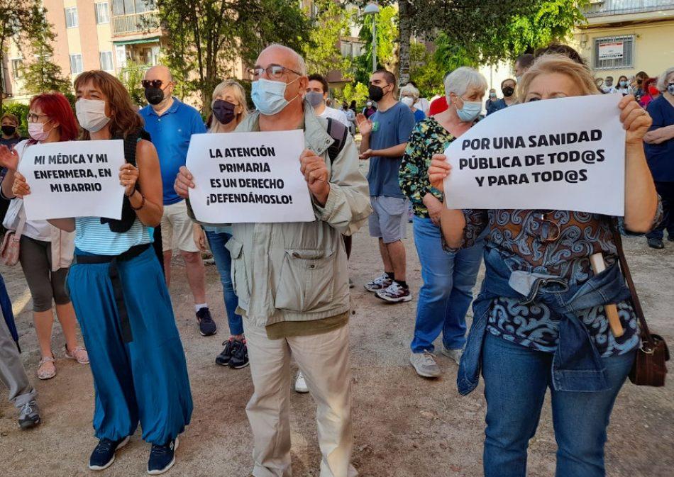 Cuarta semana consecutiva de concentraciones vecinales contra el cierre estival de centros de salud de Madrid