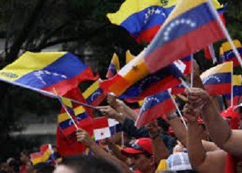 El Congreso Bicentenario de los pueblos del mundo levanta la bandera de la dignidad