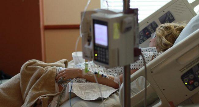 Entra en vigor la ley de eutanasia, aunque es recurrida ante el Constitucional por PP y Vox