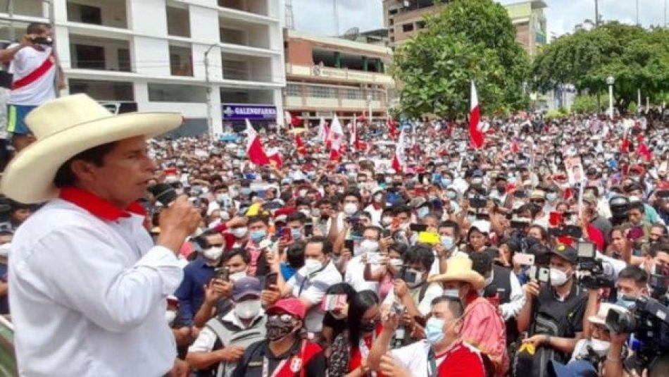 Castillo pide no caer en provocaciones de quienes quieren ver a Perú en el caos