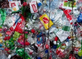 El Día Mundial de los Océanos pone el acento en el vertido de plásticos al medio marino